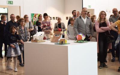 Vernissage WKKK, Ansicht Werk und Gäste